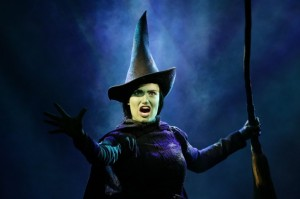 halloween-costume-wicked-1024x681